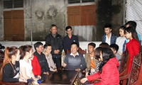Host families of Lao students