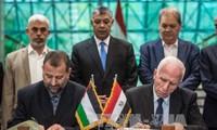 Fatah, Hamas sign reconciliation agreement