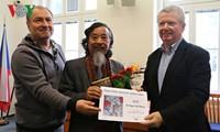 Vietnamese writer awarded by Czech Writers' Association
