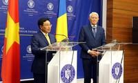 Deputy PM Pham Binh Minh visits Romania
