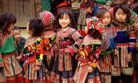 Colorful costumes of ethnic women in Son La