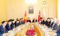 Vietnam's top legislator holds talks, meets Turkish leaders