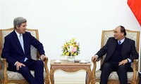 Vietnam wants to boost ties with the US, Singapore