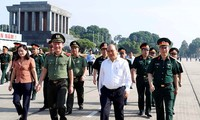 Prime Minister inspects maintenance of President Ho Chi Minh Mausoleum