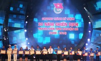 """Discussion on """"20 years of experiment, contribution and growth of Vietnamese youth"""""""