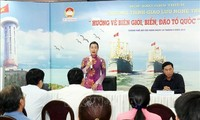 HCM City art show raises fund for national seas, islands