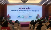 Association for Scientific and Technological Businesses debuts in Hanoi