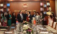 Vietnam, Cuba sign educational cooperation agreement