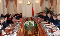 NA Chairwoman Nguyen Thi Kim Ngan meets Belarusian PM