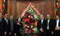 Party, VFF leaders pay pre-Xmas visit to local dioceses