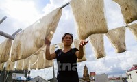 Co Chat silk village keeps thread alive