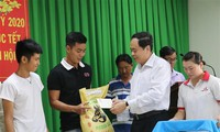 Tet visits to workers and policy beneficiaries
