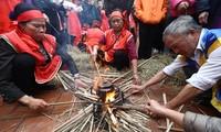 Rice cooking contest in Hanoi's Thi Cam village