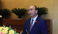 Vietnam determined to contain epidemic, develop economy