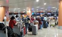 240 Vietnamese citizens return home from Myanmar
