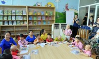 """""""Happy class"""" brings happiness to child cancer patients"""