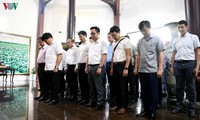 National Radio Festival's participants visit Nguyen Sinh Sac relic site