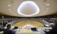 EU, UK resume face-to-face trade talks