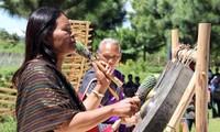 Veteran artist helps revive Chu Ru culture