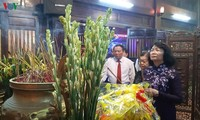 Vietnam pays tribute to war martyrs, national contributors
