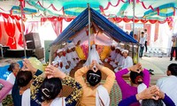 Cham people refine worshipping rituals