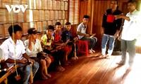 Kinh man preserves ethnic minority's gongs