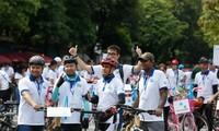 Hanoi cycling journey raises awareness on environment protection