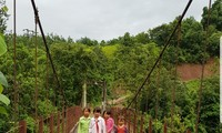 Mong ethnic people enjoy a better life in Huoi Hoc resettlement area