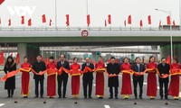 Intersection between Belt Road No.3 and Hanoi-Hai Phong Expressway opens to traffic