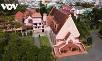 Da Lat's pink church