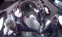 Billionaire Richard Branson soars to space aboard Virgin Galactic flight