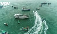 Exercise against super typhoons, oil spills on Ha Long Bay