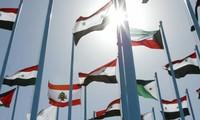 Derrière la décision de la Ligue arabe de suspendre ses observateurs en Syrie