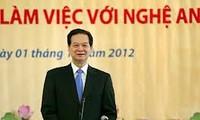 Le Premier Ministre Nguyen Tan Dung en tournée à Nghê An