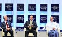Le PM Nguyen Tan Dung achève sa participation au forum économique mondial pour l'Asie de l'Est