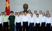 Le Premier Ministre Nguyen Tan Dung travaille avec l'association des anciens combattants du Vietnam