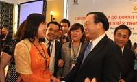 Fin de la rencontre des hommes d'affaires vietnamiens dans et en dehors du pays