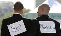 Un projet de loi vietnamien annule l'interdiction du mariage homosexuel