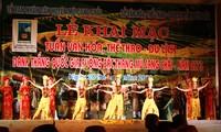 Inauguration de la semaine culturelle, sportive et touristique de Mu Cang Chai 2013