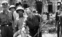 Vo Nguyen Giap honoré à l'école Quoc hoc de Hue