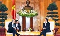 Le Premier Ministre vietnamien reçoit les gouverneurs de Berlin et du Territoire du Nord australien