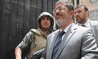 Egypte : le procès de Morsi ajourné au 8 janvier 2014