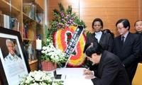 Le président vietnamien rend hommage à Nelson Mandela