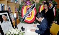 Pham Binh Minh rend hommage à l'ancien président sud-africain
