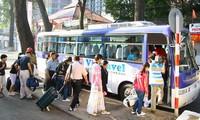 Des milliers de touristes étrangers viennent au Vietnam le jour de l'an