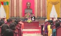 Nguyen Thi Doan rencontre les femmes brillantes de Dan Phuong