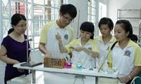 Deux élèves vietnamiens reçoivent le prix du jeune talent scientifique de l'ASEAN