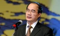 Nguyen Thien Nhan : Nommer les personnes compétentes à la direction du Front de la Patrie