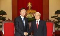 Nguyen Phu Trong et Nguyen Tan Dung reçoivent Yang Jiechi, conseiller d'Etat chinois