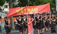 Le son des gongs vietnamiens retentit à  Paris
